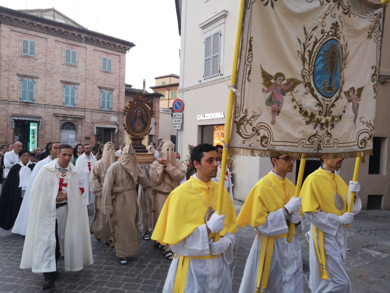 Festa del Sacro Cuore di Gesù – Processione e S.Messa in Rito Antico a Tolentino (MC)