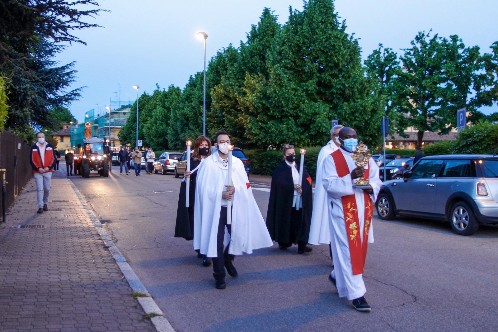 Processione e Custodia Urna San Vincenzo Martire – Chiesa Santi Fermo e Rustico – Cusago(MI) 03.05.2021