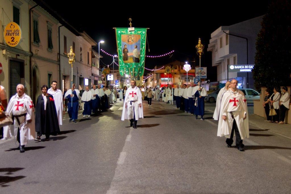 Processione per la Madonna a San Miniato Basso (PI) guidata da S.E.R. Mons. Andrea Migliavacca Vescovo di San Miniato
