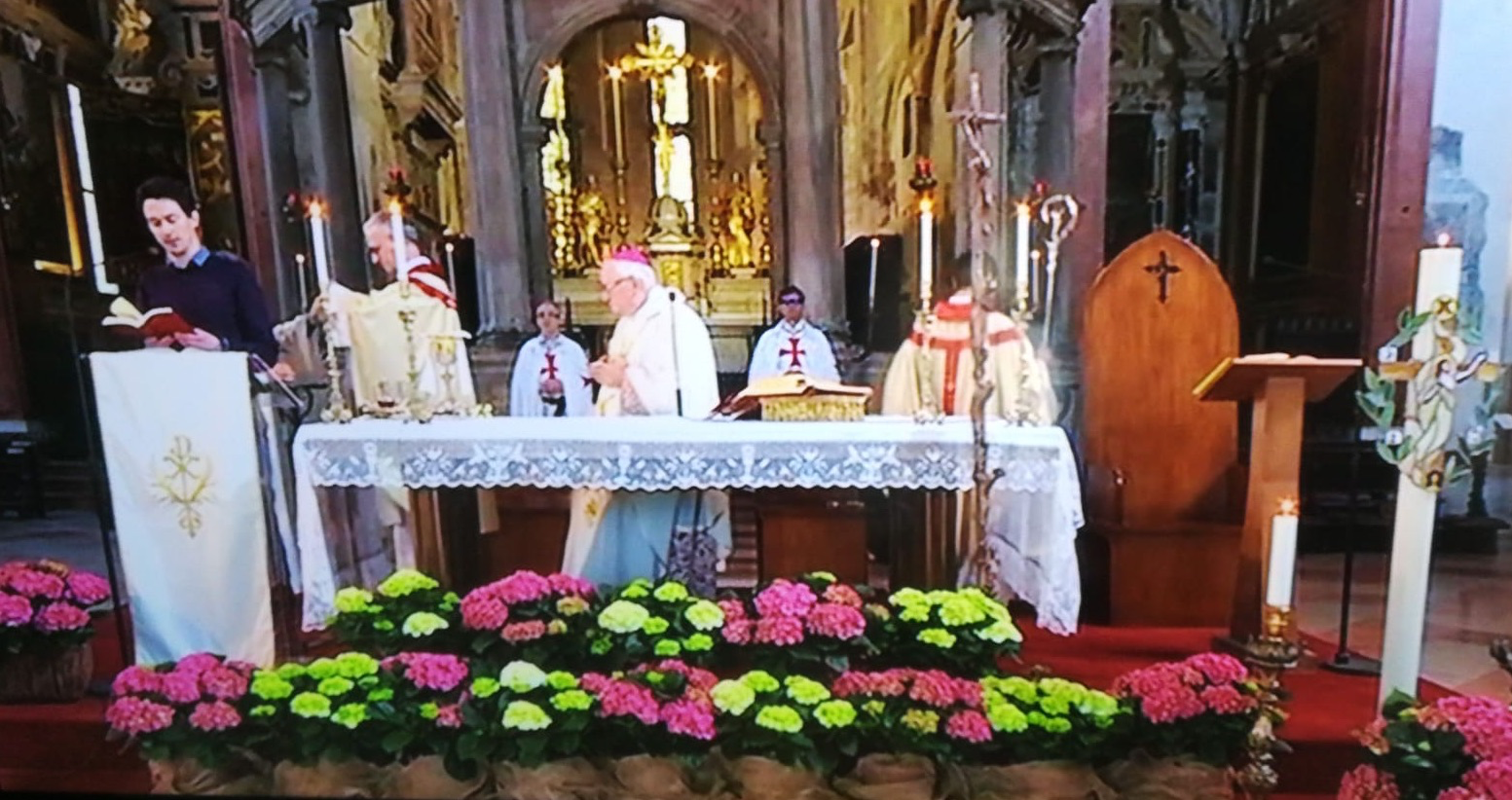 Mass for Easter 2020 with the bishop of Verona H.E. Giuseppe Zenti