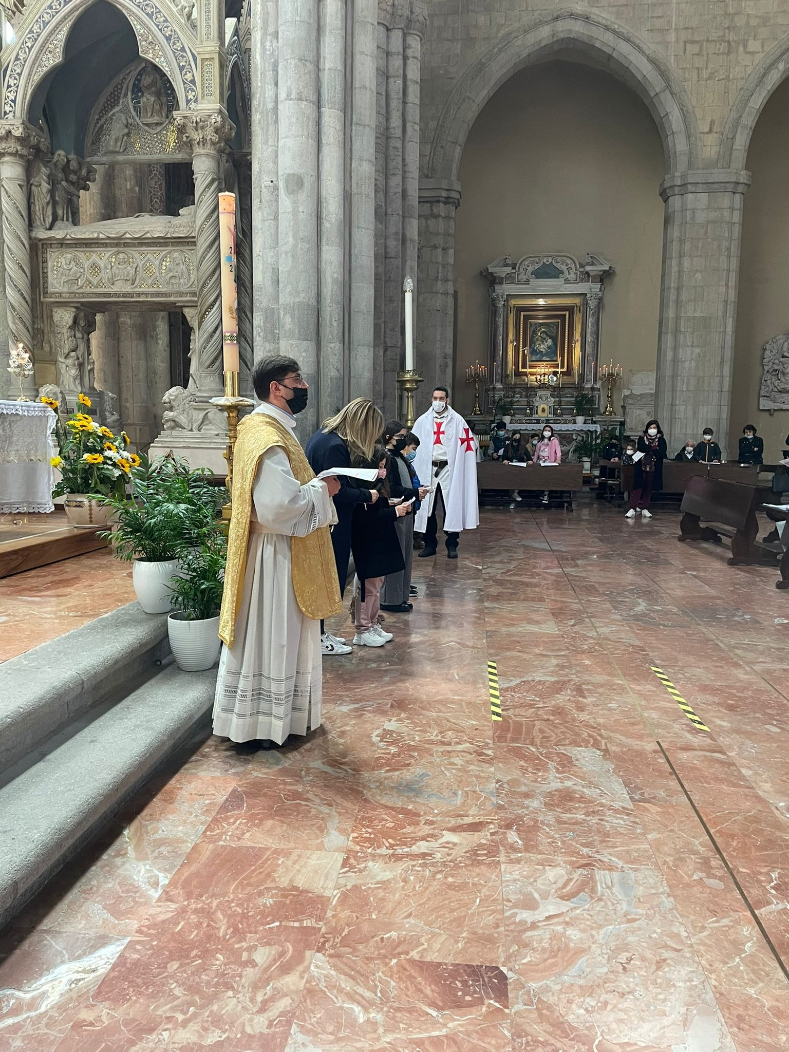 Rito della Santa Messa domenicale presso la Basilica di San Lorenzo Maggiore a Napoli