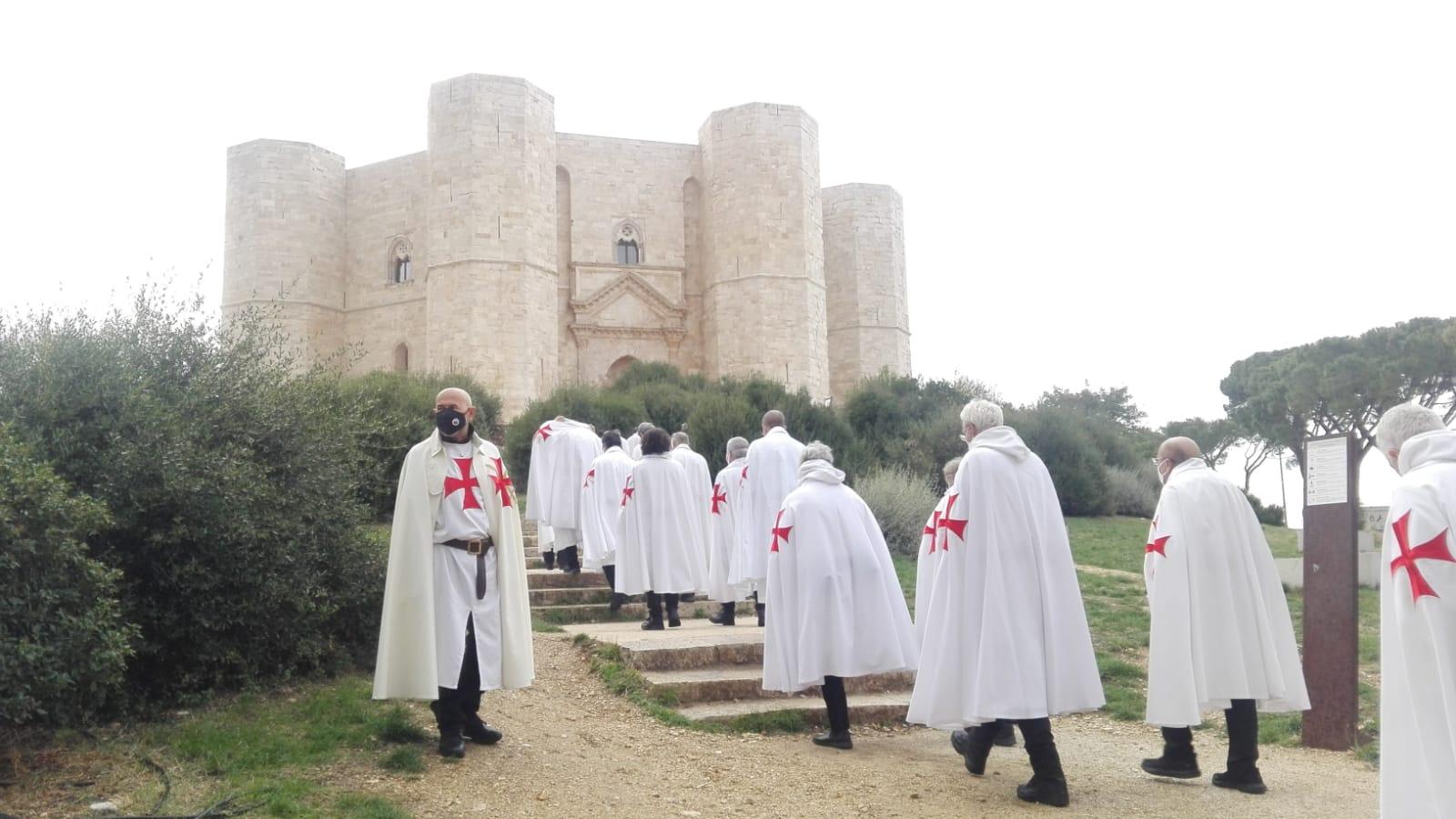 Spirituelle Exerzitien in Trani – Wallfahrt nach Castel del Monte, Heilige Messe in der Kirche zu Allerheiligen und in der Kirche St. Johannes (Oktober 2020)