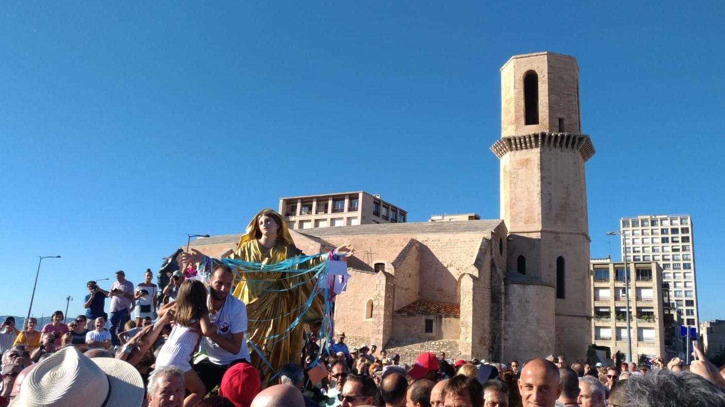 Les Templiers Catholiques de France à la processione pour la fête de l'Assomption de la Vierge Marie en Marseille