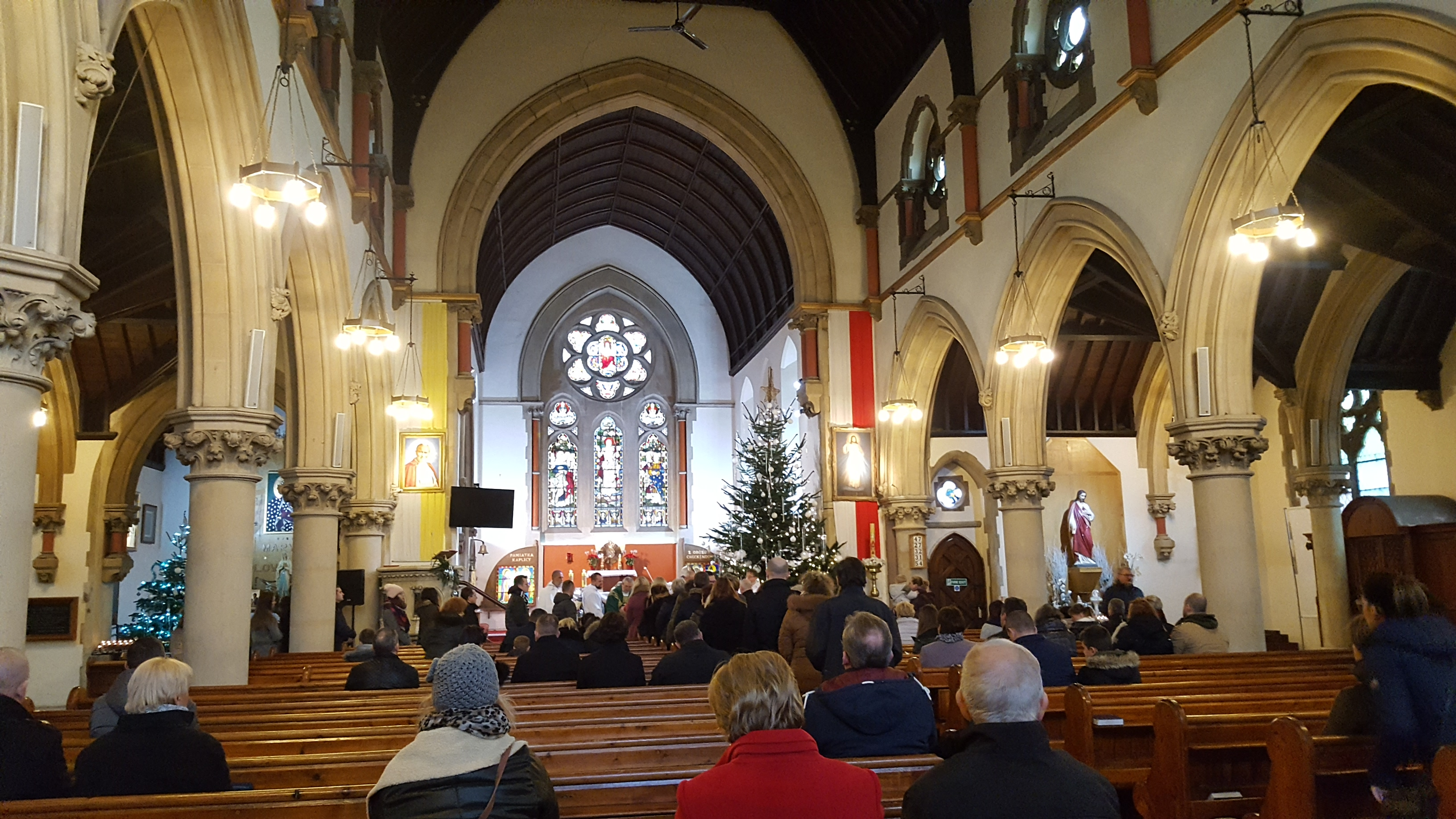 Holy Mass in the polish Catholic Church of the Sacred Heart – Reading, Berkshire